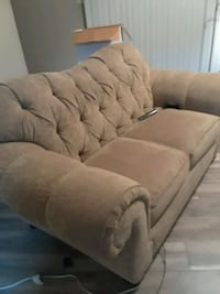 Good condition couch Houston, 77073