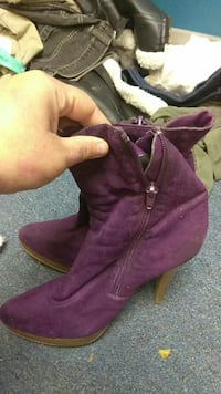 pair of purple suede pointed-toe heeled mid-calf boots Arlington, 76014