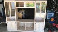 White wooden Display TV hutch Sterling Heights, 48313