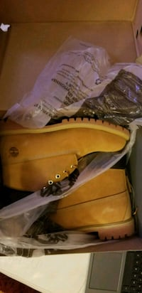 pair of wheat Timberland work boots in box Laurel, 20707