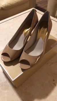 Used Michael Kors nude colour high heels Vaughan, L6A 0J8