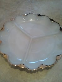 scalloped white ceramic plate Gatineau, J9H 1R7