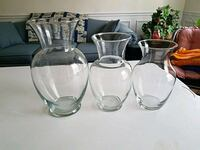 3  vases $2 each Forest Hill, 21050