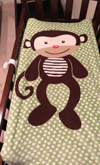 Changing table, extra pad & 3 covers