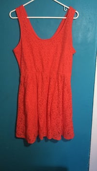 Mossimo dress-size XL-has elastic for added comfort-zipper on the side
