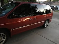 Chrysler - Town and Country - 2000 Tulare, 93274