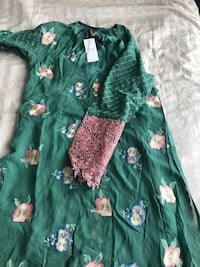 Green and pink floral long-sleeved dress Mississauga, L5B 4P9