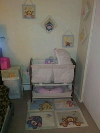 Selling bassinet/diper changing table Springfield, 01118