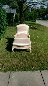 white and brown wooden armchair South Bend, 46617