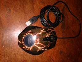 world of Warcraft gaming PC mouse. usb, works great!