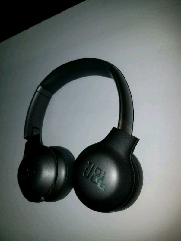 b76b0f47723 Used JBL - Everest 310 Wireless On-Ear Headphones for sale in San ...