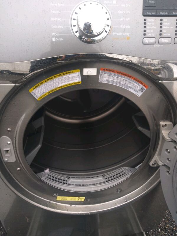 Samsung heavy duty steam dryer works good 6 month warty  (Phone number hidden by letgo)  2a2f85ac-4741-448c-aed5-a0ff63dfc4d1