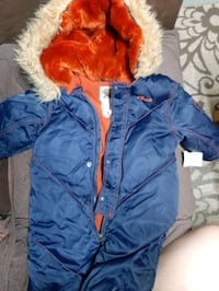 Baby boy snow suit sizes 6-12 months brand newwith tag still attached