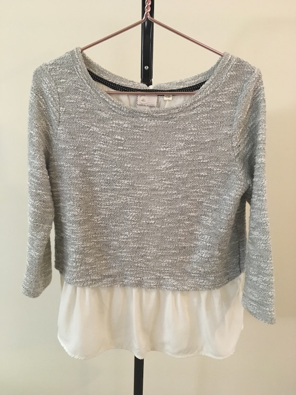 Anthropologie Sweater Top Shirt  Size Extra Small Medium Womens Clothing