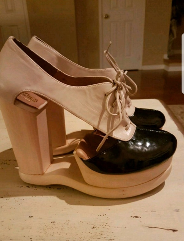 Size 9 Woodies by Jeffrey Campbell  c2eda5b5-e09d-4478-aa3e-f5723af75e18