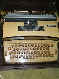 Coronet electric typewriter with case Madison Heights, 48071