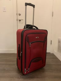 Skyway Large Red Suitcase
