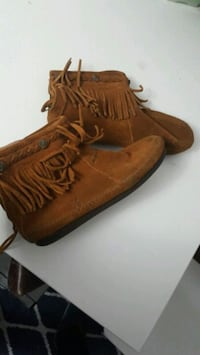 pair of brown suede-fringe boots Toronto, M9N 1T4