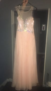 Size 2 tony bowls graduation dress (Worn once) London, N5Y 4R7