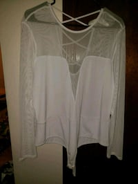 white scoop-neck long-sleeved shirt Smyrna, 30080