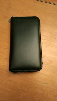 black leather bi-fold wallet Montréal, H2K 3P6