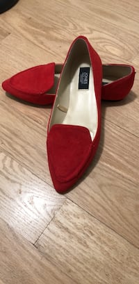 Red Jones New York Loafer.  Size 6. New.  Temple Hills, 20748
