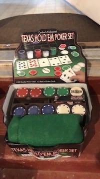 TEXAS HOLDEM POKER SET WITH ALL PIECES Littlestown, 17340