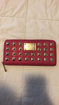 Michael Kors hot pink and gold studded wallet  Mississauga, L5G