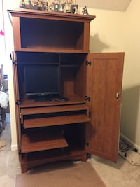 brown and black wooden computer desk with hutch Clarksville, 37040