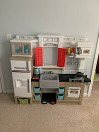 Step Kitchen with extra accessories