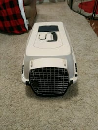 white and black pet carrier Fairfax, 22030