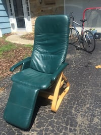 Nice recliner chair  Crofton, 21114
