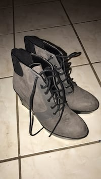 pair of gray suede boots Markham, L3P 2T5