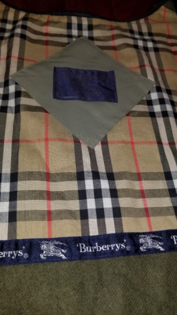 Zippered Liner from authentic Burberry men's trench coat 1