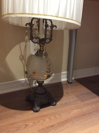 Table lamp antique 20$ each good condition