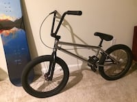 Black and gray bmx bike 28 km