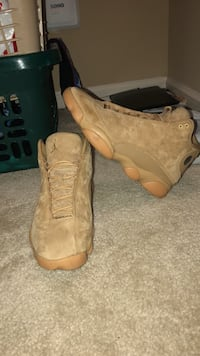 wheat 13s  size 10.5 Woodbridge, 22191