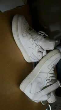 Girls air force ones 5.5