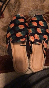 pineapple shoes Size 8.5 Dade City, 33523