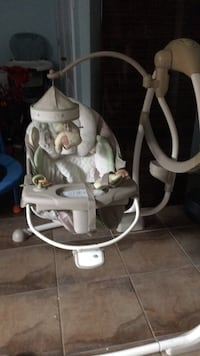 baby's white and gray cradle and swing Montréal, H1E 0V4