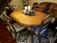 Table and 4 upholstered chairs Laurel, 20723