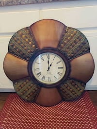 Clock, 30x30, works well, good condition