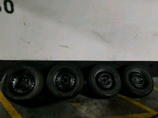 225 65 17 Winter tires with rims