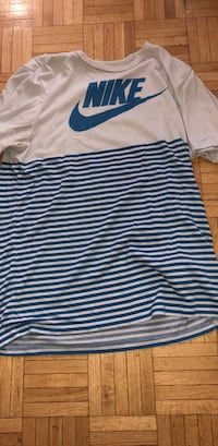 Nike shirt medium  Montréal, H3H 2J8
