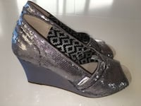 NEW ~ Toms Stella Pewter Sequin Peep Wedge, size 7 Oakland