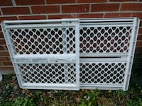 white and brown safety gate Perrysburg, 43551
