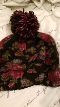 Winter floral beanie Fort Belvoir, 22060