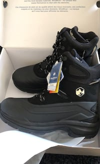 New wind river boots size 13 Toronto, M9A 4M6