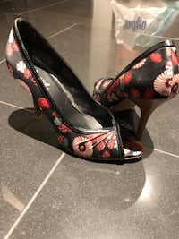 Floral heels Richmond Hill, L4C