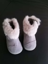 pair of gray fur boots Montreal, H1J 2K6